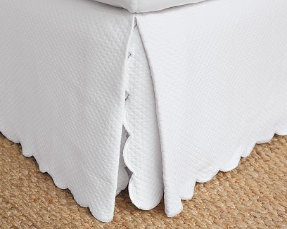 Scalloped Matelassé Bed Skirt