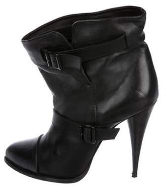 Givenchy Leather Pointed-Toe Boots Black Leather Pointed-Toe Boots