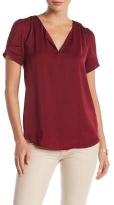 Daniel Rainn DR2 by Short Sleeve Sateen Top