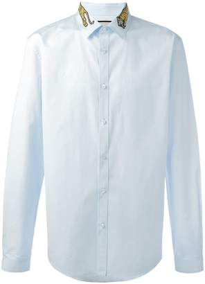 Gucci tiger embroidered collar shirt