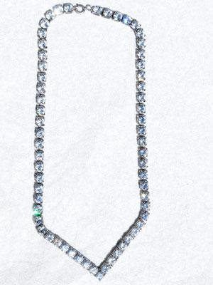 GARLAND crystal v necklace silver