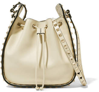 Valentino Garavani The Rockstud Leather Bucket Bag - Ivory