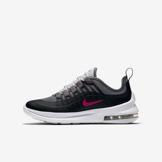 Nike Axis Big Kids' Shoe