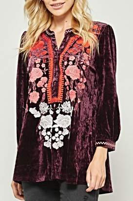 Andree By Unit Embroidered Velvet Top