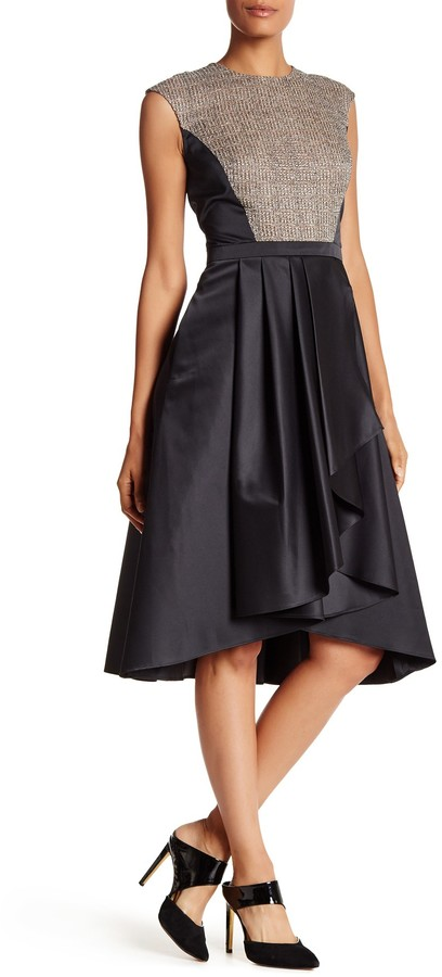 Carmen Marc Valvo Carmen Marc Valvo Sleeveless Back Zip Dress