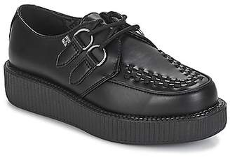 T.U.K. LOW CREEPER women's Casual Shoes in Black