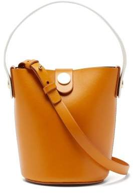 Sophie Hulme Nano Swing Leather Bucket Bag - Womens - Tan White
