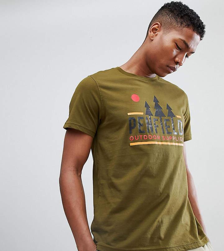 – EXCLUSIVE – T-Shirt in Grün mit Logo-Print