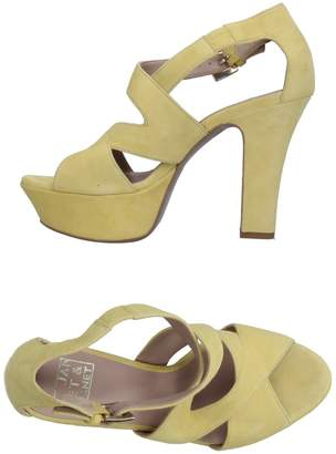 Janet & Janet Sandals - Item 11270066TI