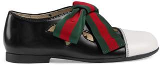 Gucci Children's leather ballet flat with Web bow