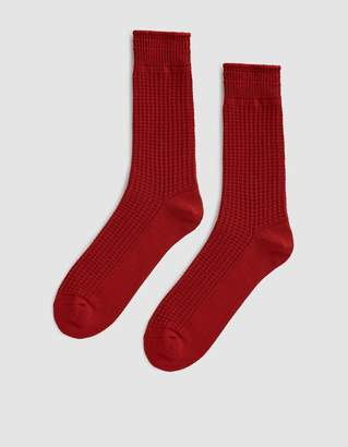 Rototo Cotton Waffle Socks in Red