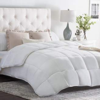 Weekender Quilted Down Alternative Comforter in Classic White, Multiple Sizes