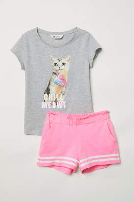 H&M T-shirt and Shorts - Gray
