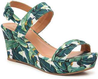 Qupid Ebbe-26X Wedge Sandal - Women's
