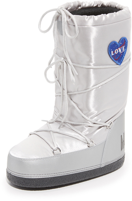 Moschino Moon Boots $145 thestylecure.com