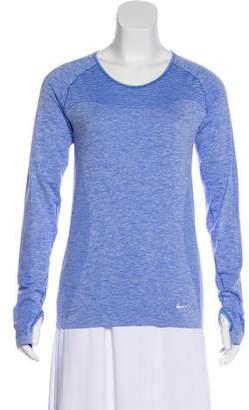 Nike Scoop Neck Long Sleeve Sweatshirt