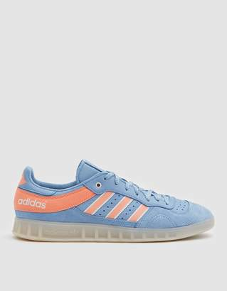 adidas Handball Top Oyster Sneaker in Ash Blue/Chalk Coral