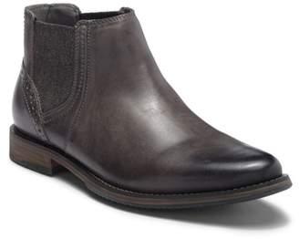 Steve Madden Quahog Leather Chelsea Boot