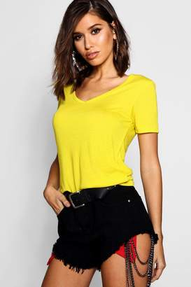 boohoo Basic Supersoft V Neck T-Shirt