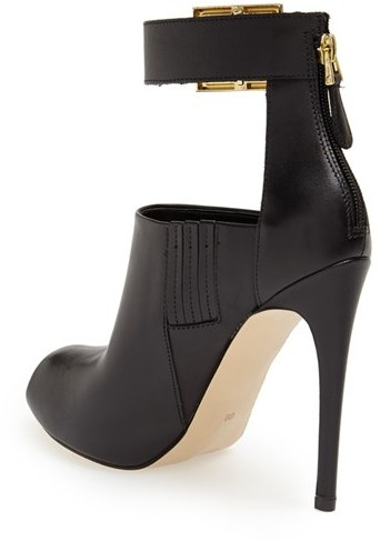 GUESS Shilvy Bootie