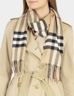 Burberry Giant Icon Check Cashmere Scarf in Camel Check Cashmere