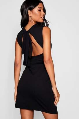 boohoo Open Back Tie Detail Dress