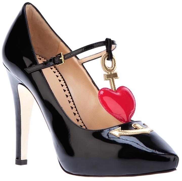 Moschino Cheap & Chic heart detail pump
