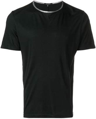 Unconditional contrast neck T-shirt