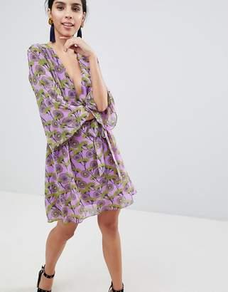 Liquorish Floral Print Dress With V Front And Kimono Sleeve