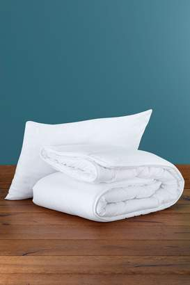 Next Anti Allergy Junior 4 Tog Duvet And Pillow Set - White