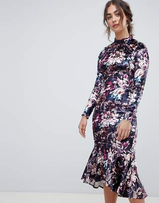 Hope and Ivy Hope & Ivy long sleeve velvet midi dress with peplum hem in floral print
