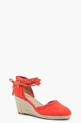 boohoo Wide Fit Pom Trim Mid Heel Wedges