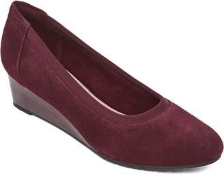 Clarks Womens Mallory Berry Closed Toe Slip-On Shoe
