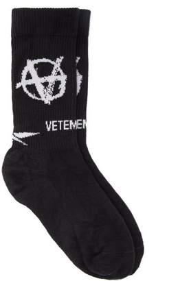 Vetements Logo Jacquard Jersey Socks - Mens - Black