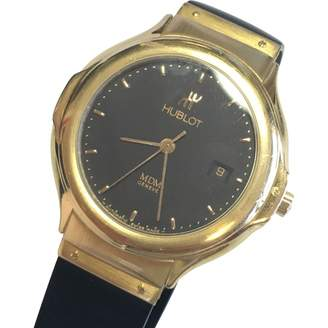 MDM yellow gold watch