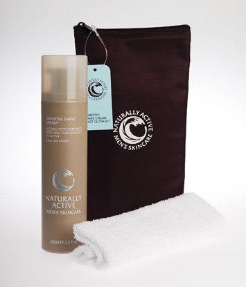 Liz Earle Sensitive Shave Cream + Hot Cloth Kit