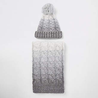 River Island Grey ombre ribbed beanie hat and scarf set