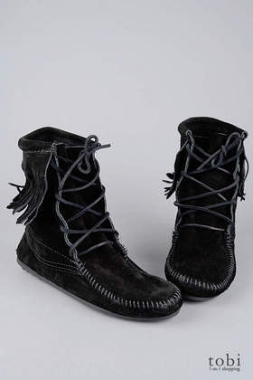 Minnetonka Tramper Ankle Hi Boots