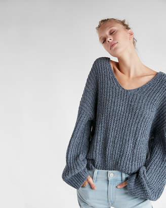 Express Cozy V-Neck Chenille Shaker Knit Sweater
