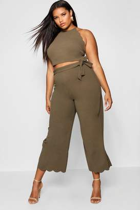 boohoo Plus Scallop Edge Crop + Trouser Co-ord