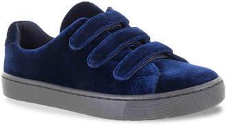 Easy Street Shoes Strive Sneaker - Women's