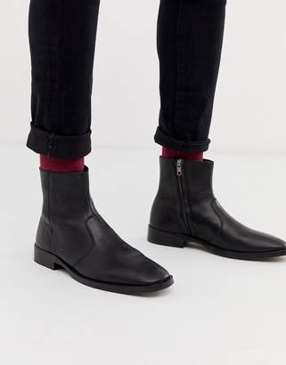 Design DESIGN chelsea boots in black leather with square toe