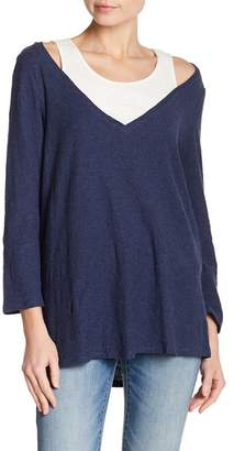 Vince Camuto 3\u002F4 Sleeve Layered V-Neck Tee