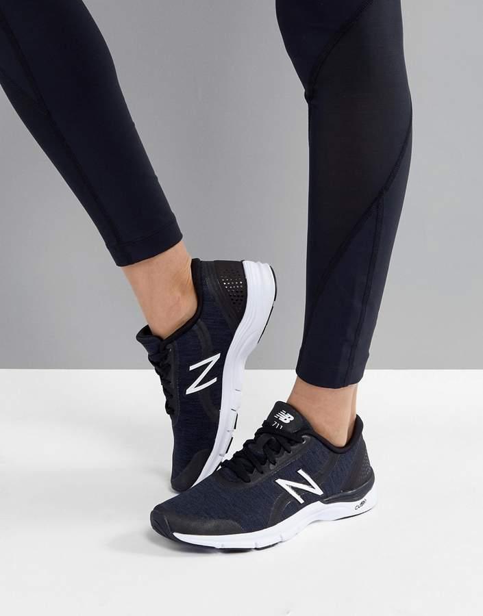 – Training 711 – Schwarze Sneaker