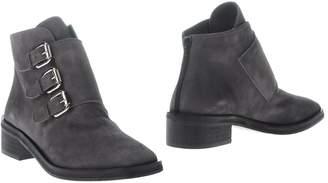 Rebeca Sanver Ankle boots