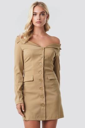 cf7676c54c5f NA-KD Off Shoulder Blazer Dress Beige