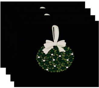 Holiday Essence Mistletoe Me Floral Print Placemat