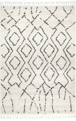 nuLoom Erin Moroccan Diamond Tassel Machine-Made Synthetic Contemporary Rug