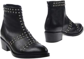 Janet & Janet Ankle boots - Item 11269417LN
