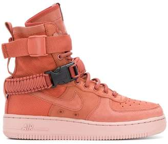 Nike SF Air Force 1 sneakers